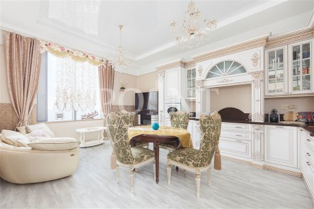 Дом на Мосфильмовской